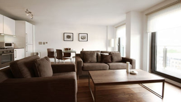 Spacious living area in Slough Mosaic Apartments