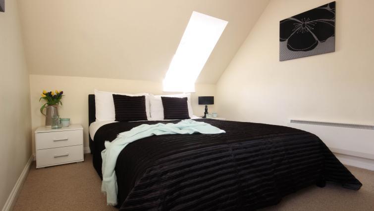 Executive bedroom in Alexandra Court Apartments