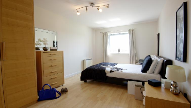 Double bed at Kelvin Gate