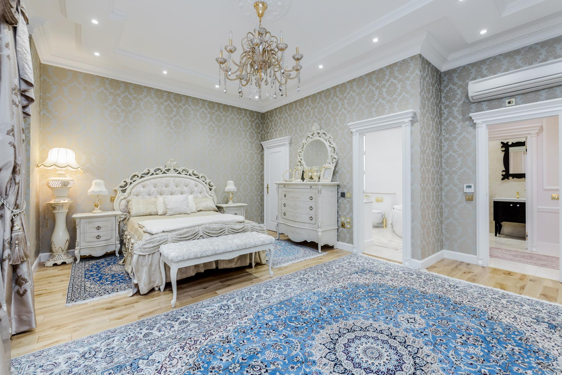Luxurious bedroom at Grosvenor Square Apartment, Mayfair, London