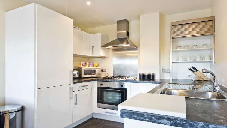 Outstanding kitchen in Woodgate Court Apartments