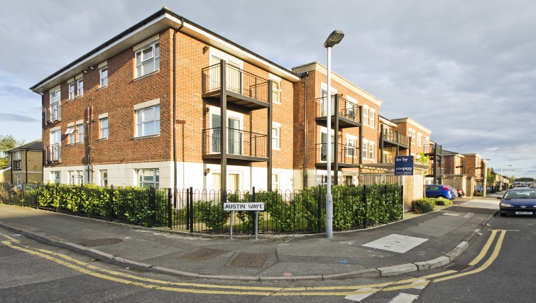 Great exterior of Woodgate Court Apartments