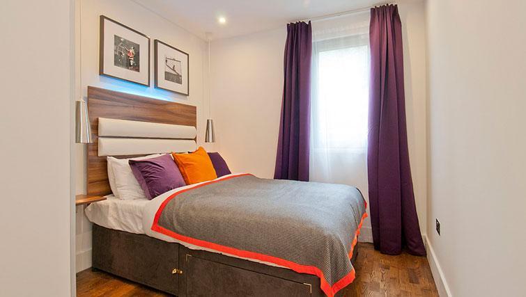 Spacious bedroom in Native Camden Apartments