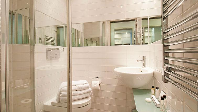 Lovely bathroom in Native Camden Apartments