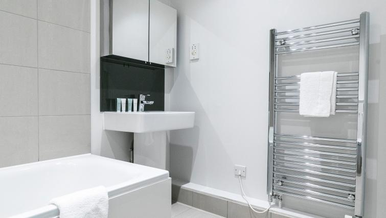 Modern bathroom at Native Fenchurch Street Apartments
