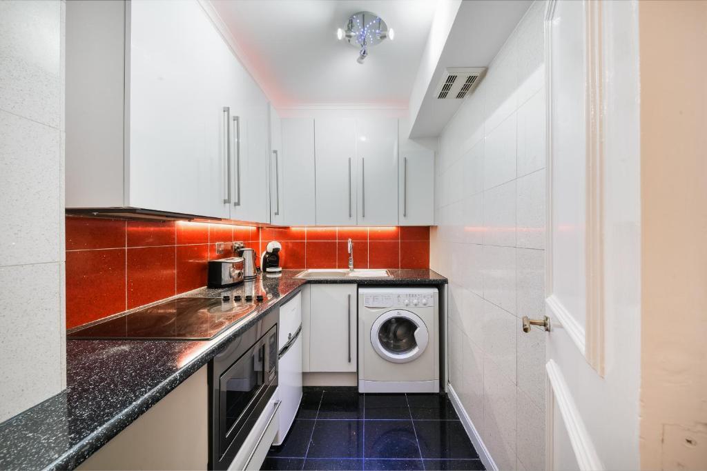 Kitchen at Chelsea Charm Apartment, Chelsea, London