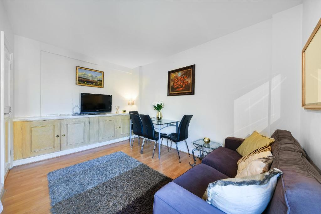 Sofa at Chelsea Charm Apartment, Chelsea, London