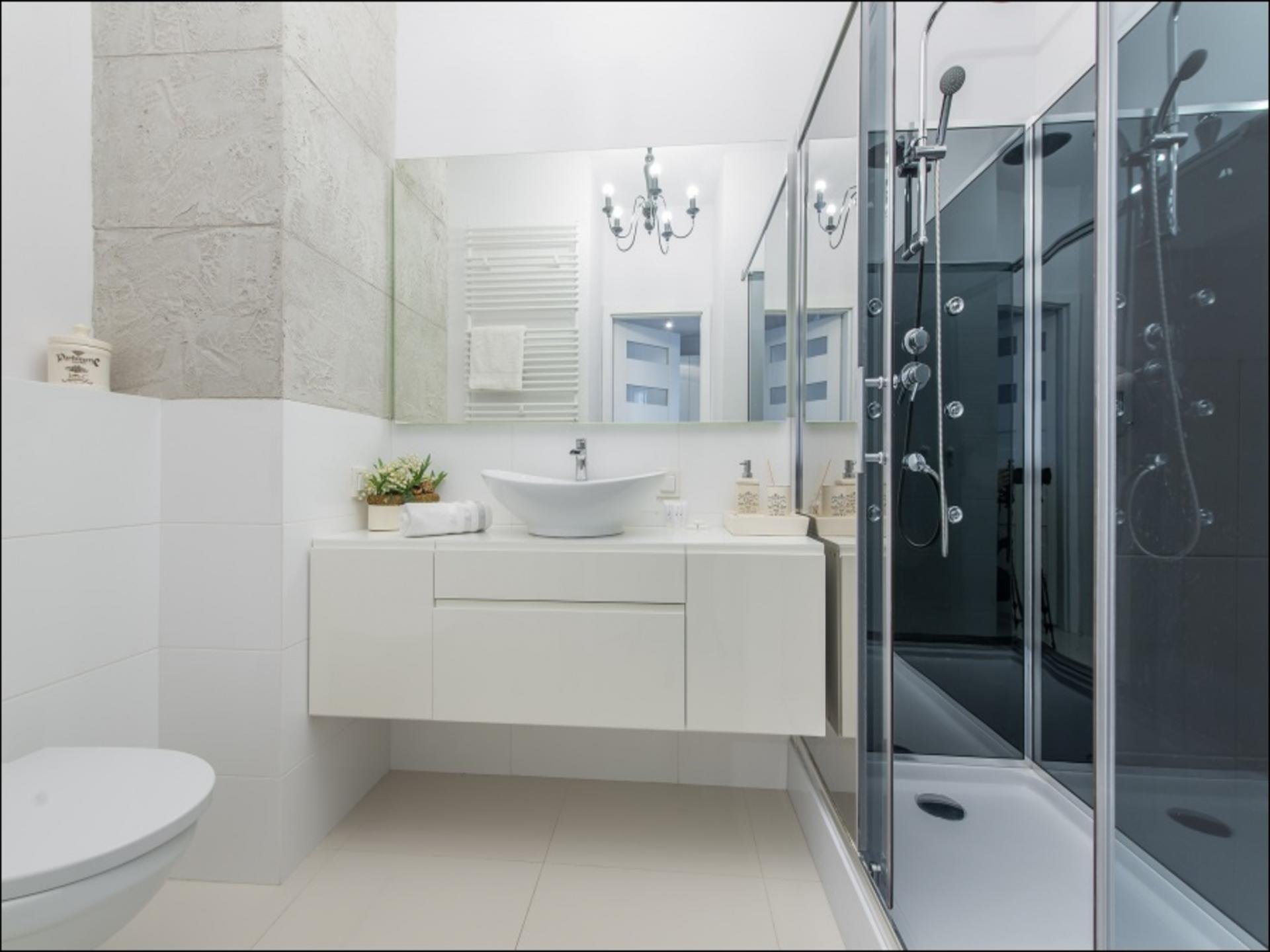 Bathroom at Klobucka Street Apartment, Wyczółki, Warsaw