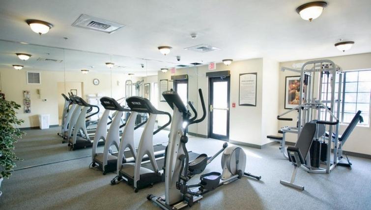 Gym in Staybridge Suites Oakville Burlington