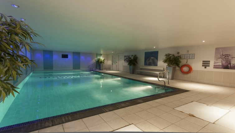 Lovely pool in Discovery Dock Apartments