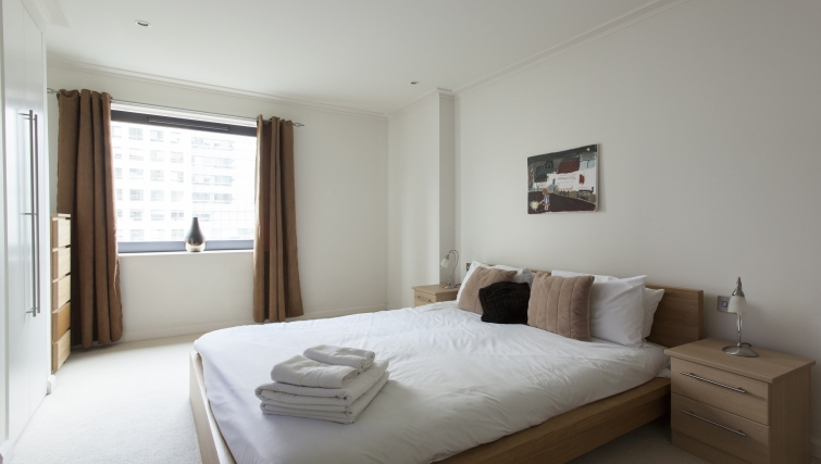 Bright bedroom in Discovery Dock Apartments