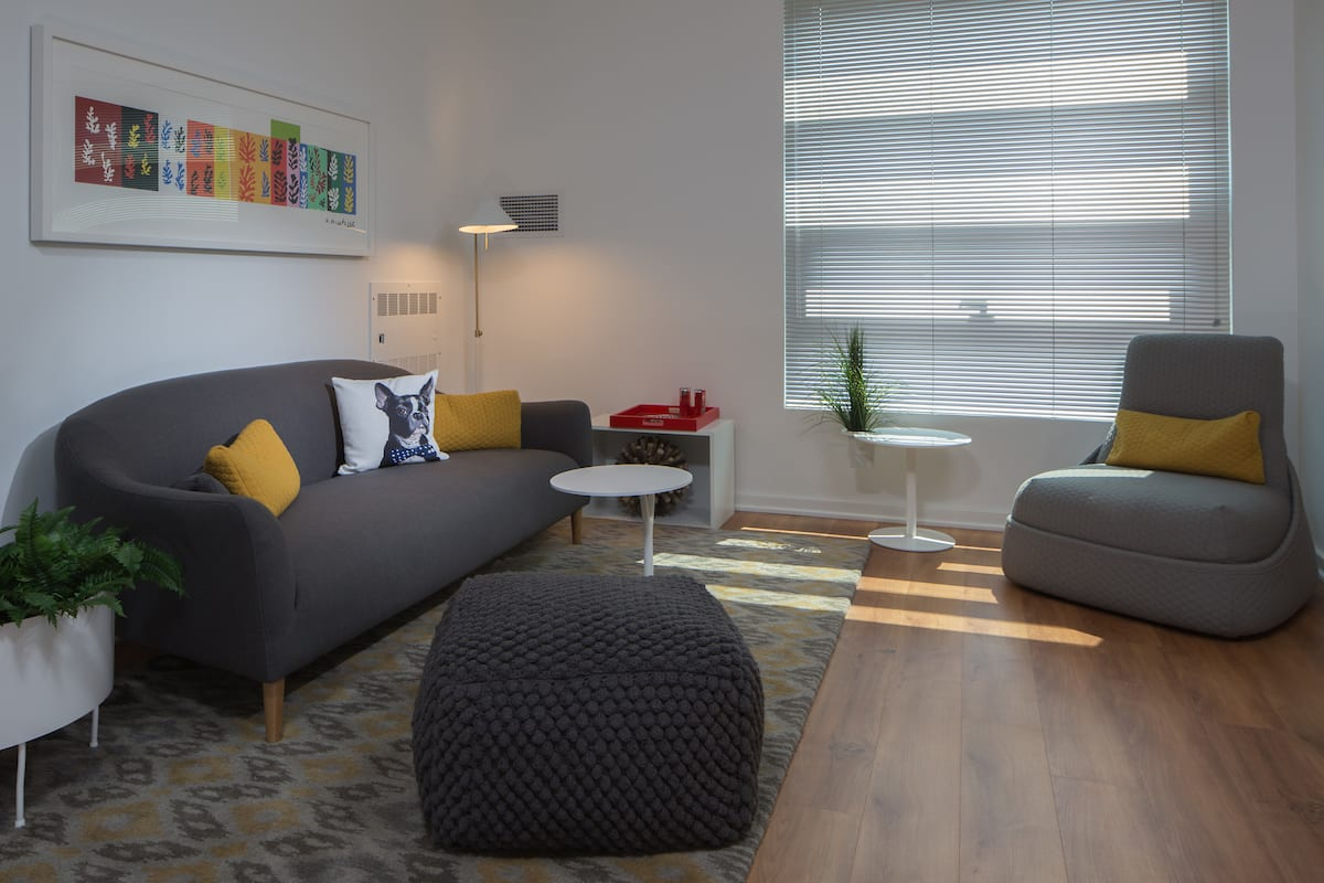 Living area at Mosso Folsom Street Apartment, Soma, San Francisco