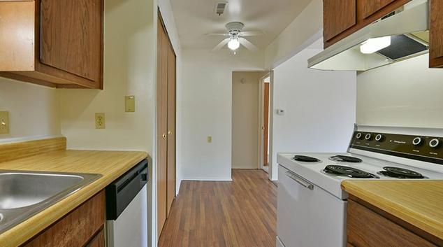 Kitchen at Woodland Place Apartment, Hawks Nest, Midland