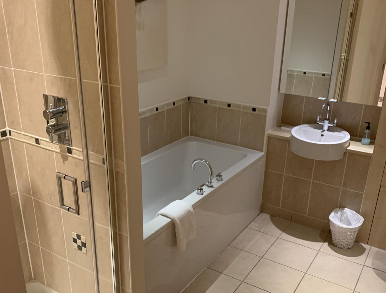 Bathroom at Queens Highlands Apartments, Rubislaw, Aberdeen