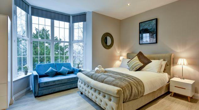 Bed at Meridian Suites, Brandon, Bristol