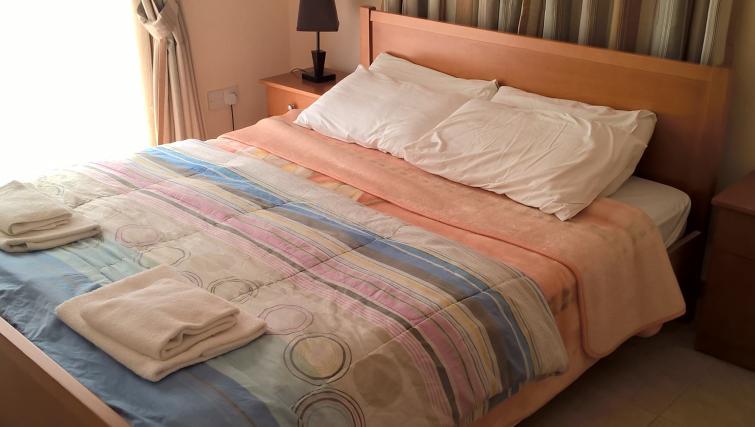 Cosy bedroom in Kapsalia Holiday Villas