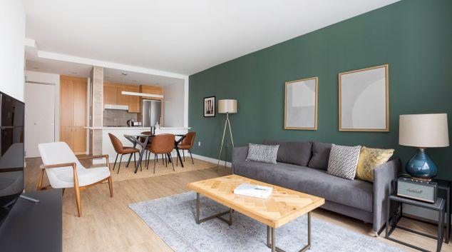 Living area at 15 Cliff Street Apartment, Manhattan, New York
