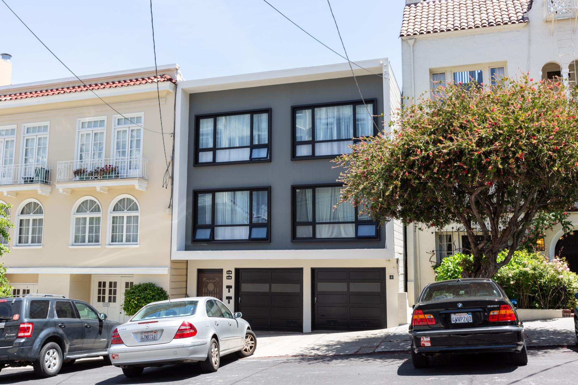 Exterior of Leavenworth Street Apartment, Russian Hill, San Francisco