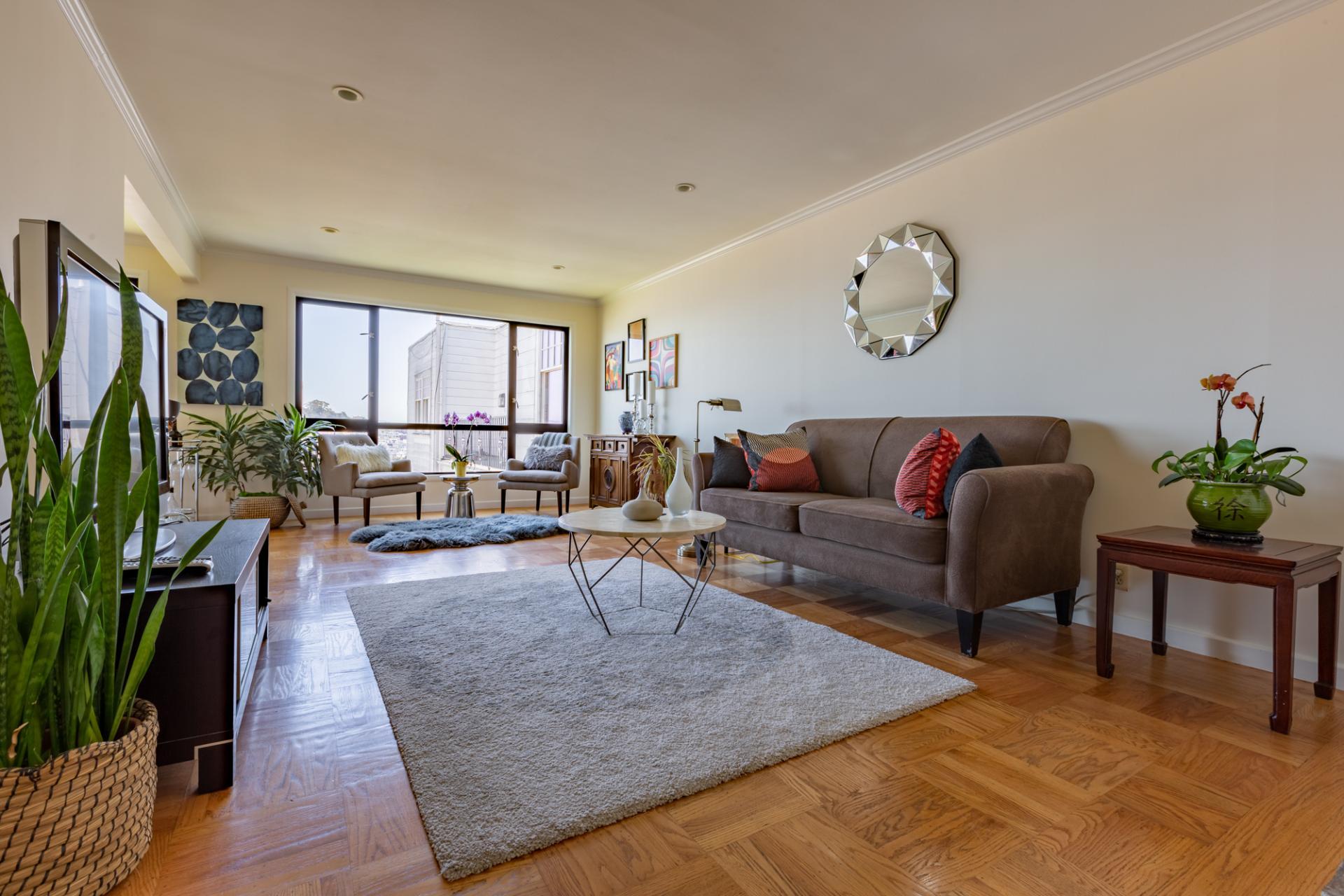 Sofa at Leavenworth Street Apartment, Russian Hill, San Francisco