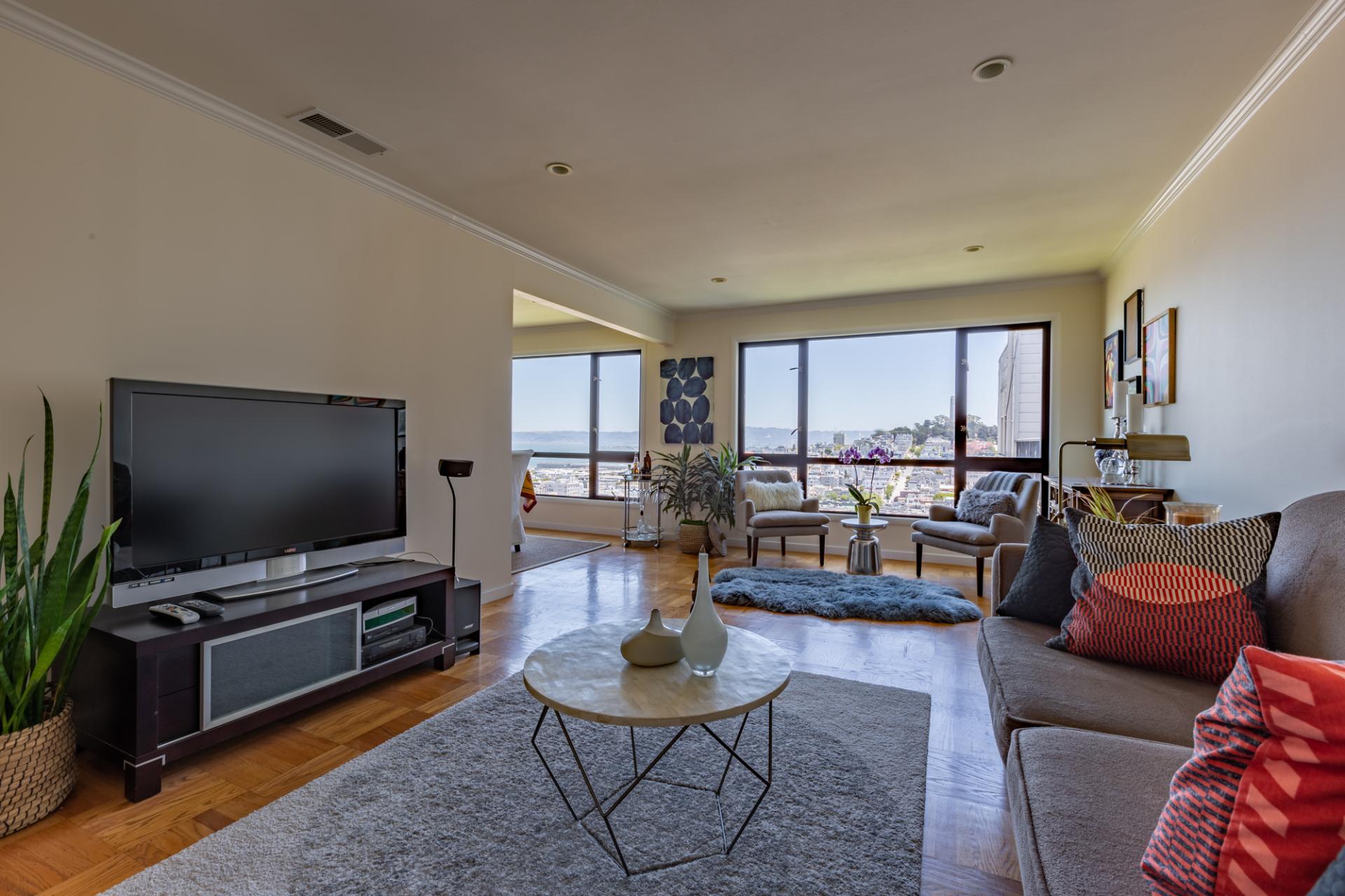TV at Leavenworth Street Apartment, Russian Hill, San Francisco
