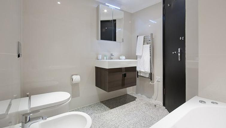 Bathroom in a 1 bed at Mayfair House Apartments