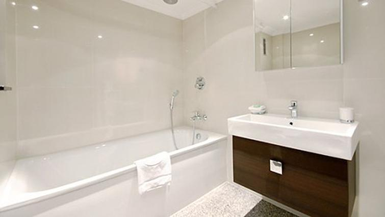 Bathroom in 3 bed at Mayfair House Apartments
