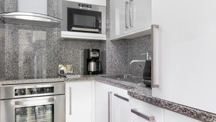 Kitchen in 2 bed at Mayfair House Apartments