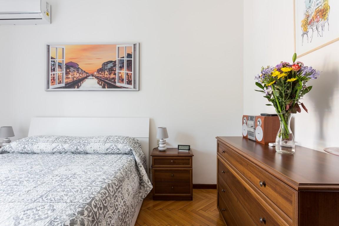 Flowers at Bright Caneva Apartment, Bullona, Milan