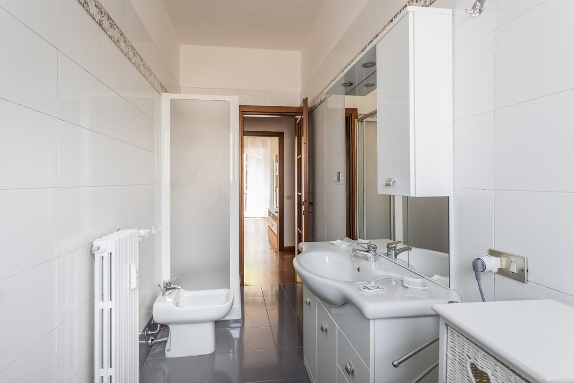 Sink at Bright Caneva Apartment, Bullona, Milan