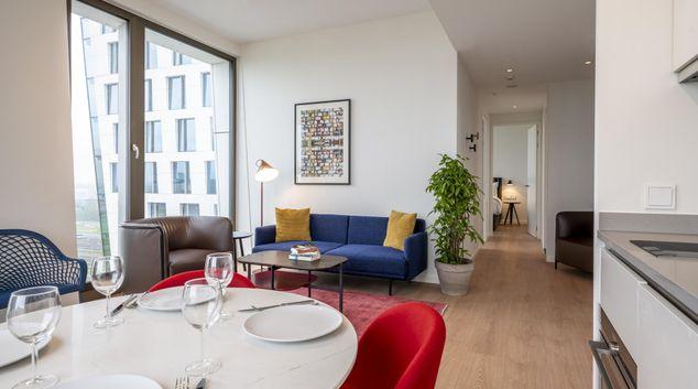 Living area at Premier Suites Plus Amsterdam, Amsterdam-Zuid, Amsterdam