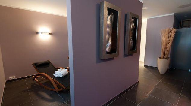 Living area at Amalienburgstrasse Apartment, Moosach, Munich
