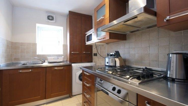 Compact kitchen in Chesham Court