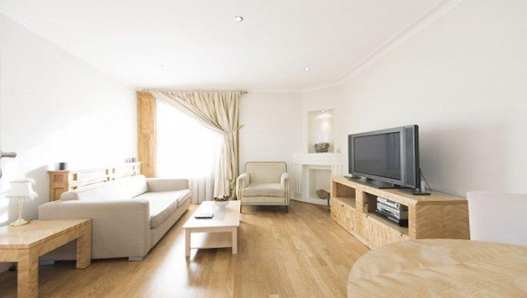 Bright living area in Chesham Court