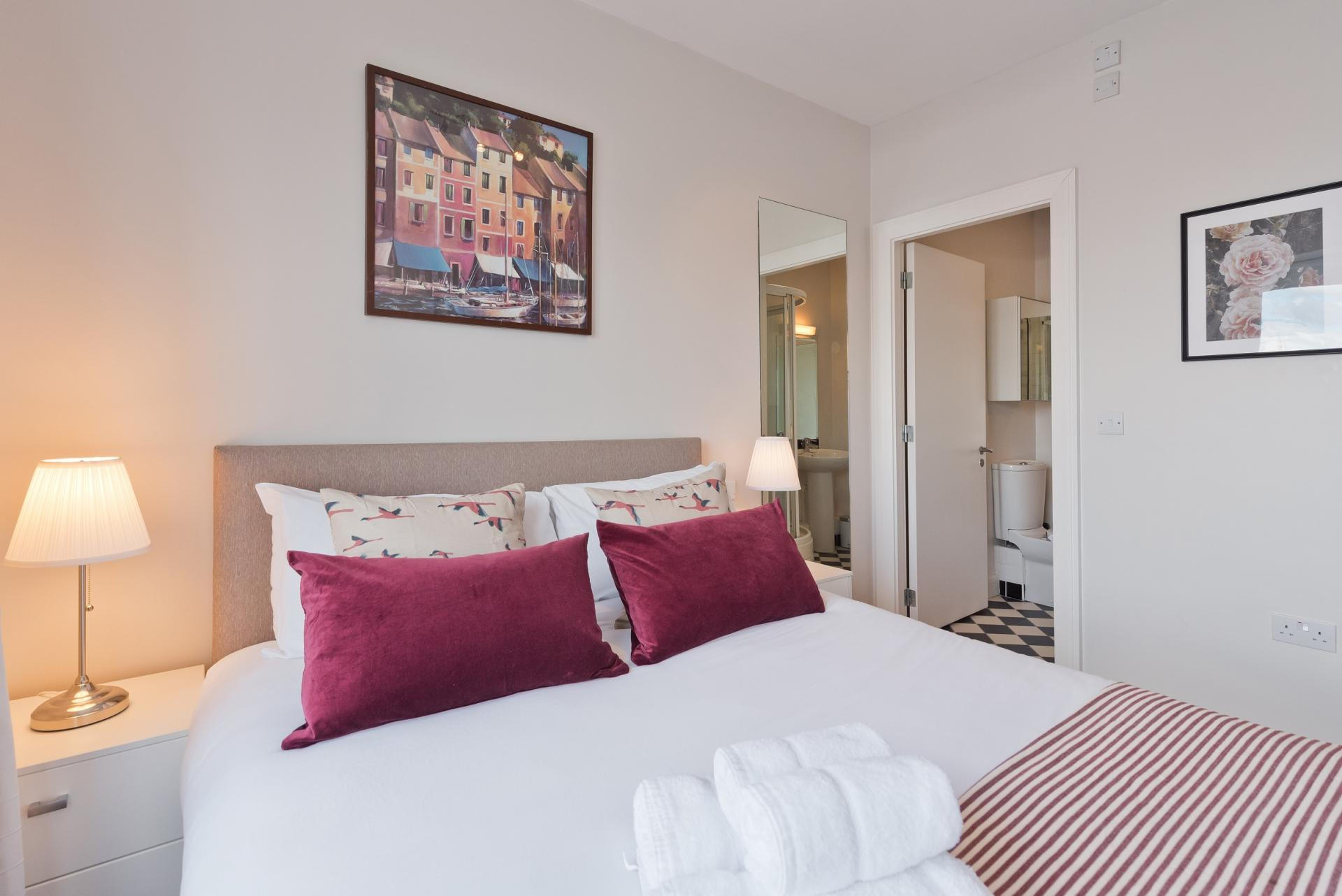 Double bed at Grand Canal Wharf 4 Apartment, Ringsend, Dublin