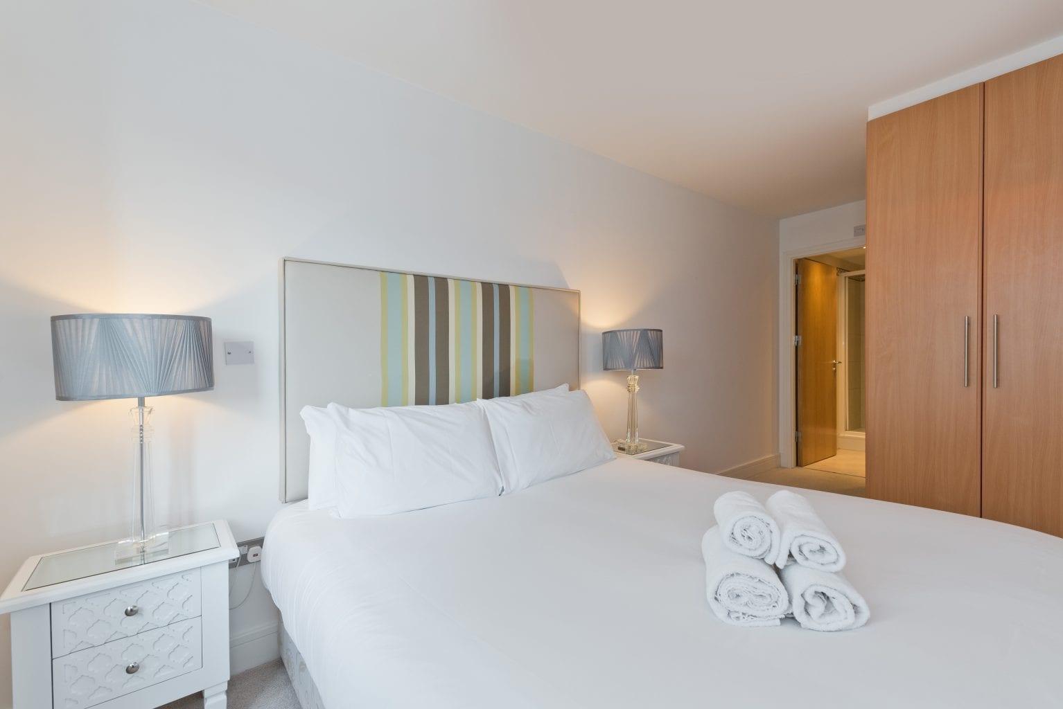 Cosy bedroom at Longboat Quay, Docklands, Dublin