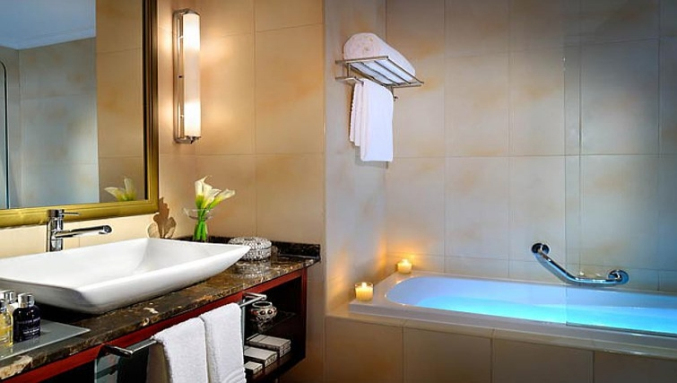 Modern bathroom in Marriott Executive Apartments Manama