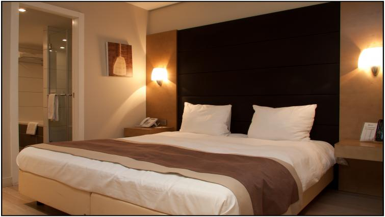 Bed at B-aparthotel Grand Place