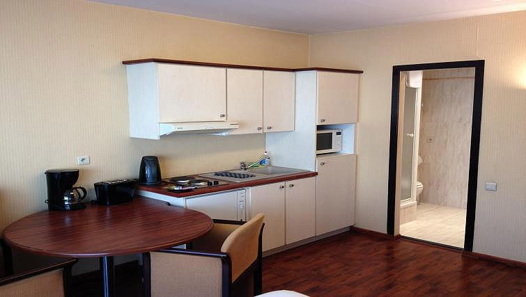 Fully equipped kitchen at B-aparthotel Montgomery