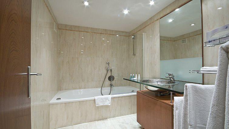 Pristine bathroom in B-aparthotel Montgomery
