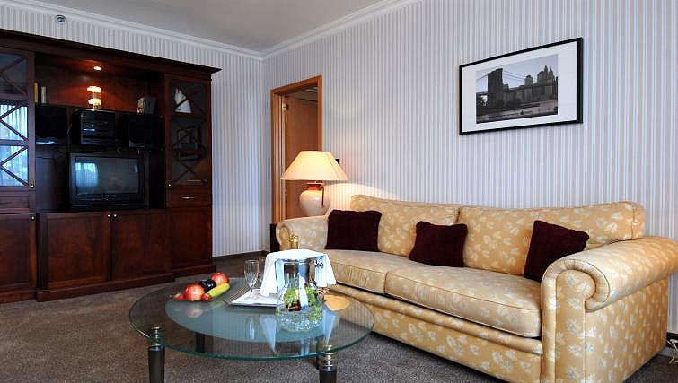 Sofa at B-aparthotel Ambiorix