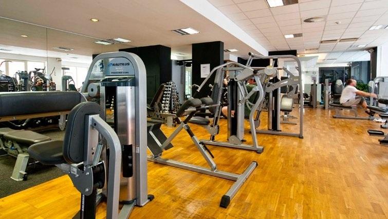 Modern gym at Thon Residence Parnasse