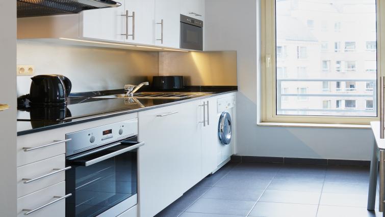 Kitchen at Thon Residence Parnasse