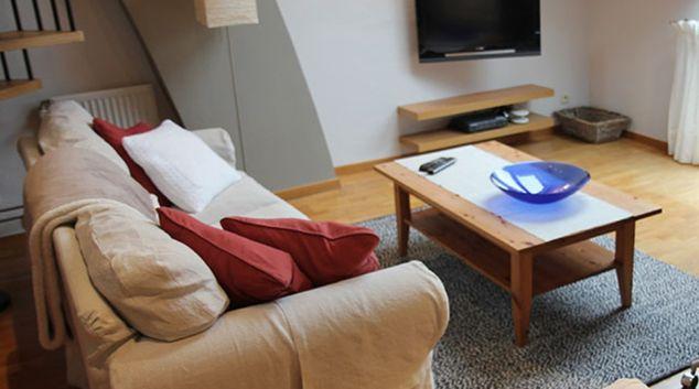 Living room at Waterloo 526 Apartment, Petit Paris, Waterloo