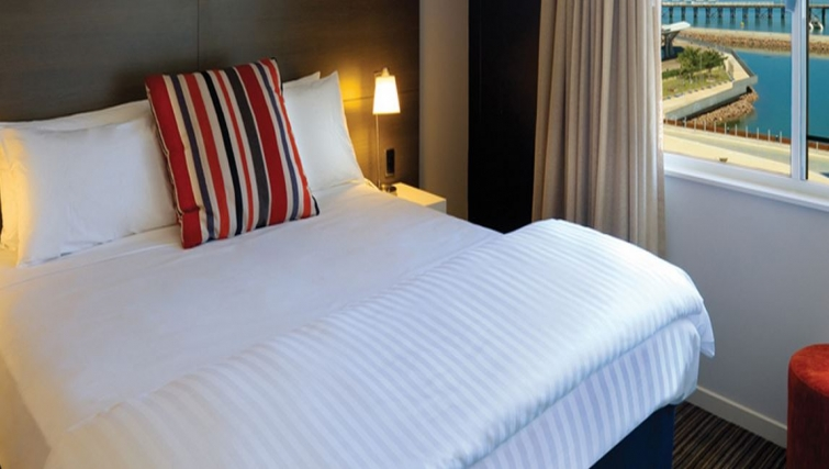 Gorgeous bedroom in Adina Apartment Hotel Darwin Waterfront