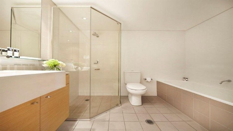 Attractive bathroom in Adina Apartment Hotel Wollongong