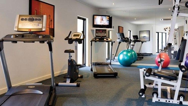 Modern gym in Adina Apartment Hotel Perth, Barrack Plaza