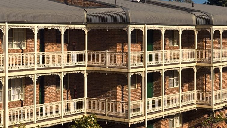 Large exterior of Medina Serviced Apartments Canberra Kingston