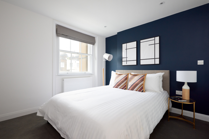 Bed at Inverness Mews, Bayswater, London