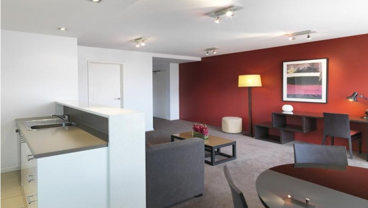 Kitchen at Adina Apartment Hotel Melbourne, Northbank