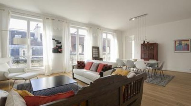 Living room at Stylish Temple Apartment, 3rd Arr, Paris